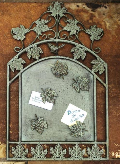 Leaf Message Board